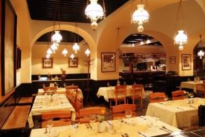 magma-bar-restaurant-restaurant2_54_990x660_201406011736